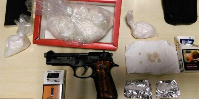 Pişmaniye kutusundan 500 gram uyuşturucu çıktı