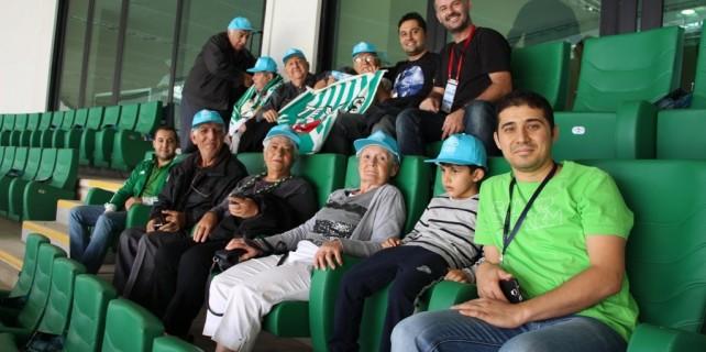 Huzurevi sakinlerine Timsah Arenada maç keyfi