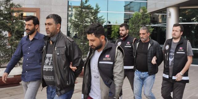 Bursa'da zehir tacirleri tutuklandı