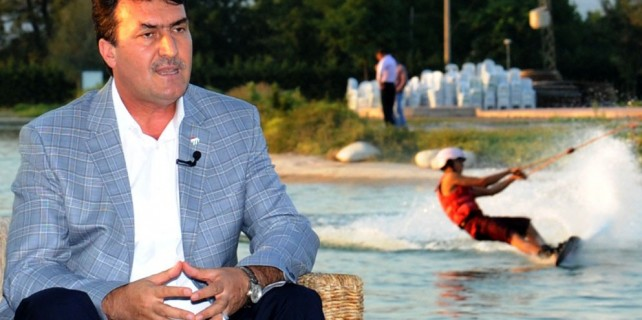 Osmangazi Belediyesi, 15 Temmuz şehitleri için Wakeboard düzenliyor