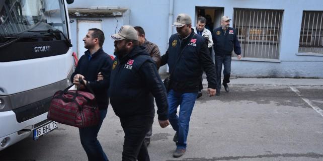 Bursa'da Aktif-Sen üyesi 19 FETÖ'cü adliyeye sevk edildi
