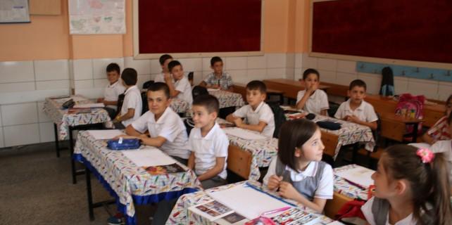 Bursa'da FETÖ yüzünden binlerce kitap dağıtılamadı