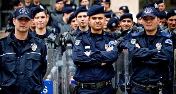 Bursa'da FETÖ operasyonu! Tam 264 polis...