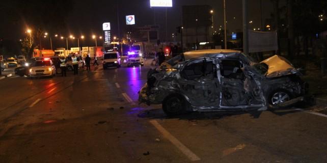 Bursa'da feci kaza...3 genç hayatını kaybetti