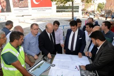 DEMOKRASİ MEYDANI'NDA ÇALIŞMALAR SÜRÜYOR