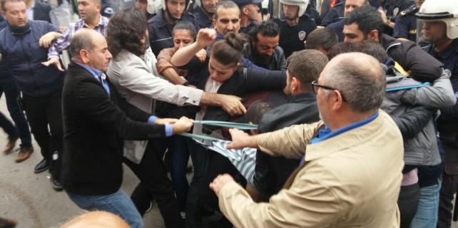Bursa'da izinsiz gösteride ortalık karıştı