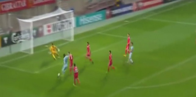 Belçikalı Benteke 7. saniyede attığı bu gol ile tarihe geçti