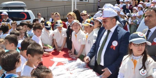 Bursa'da öğrenciler yaşama yol vermeyi öğreniyor