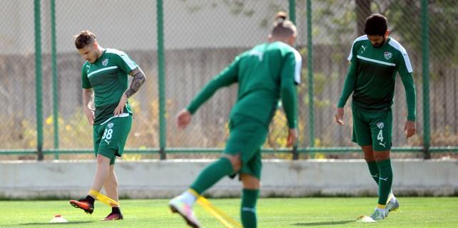 Bursaspor'da milliler takıma katıldı