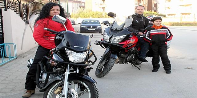 Bursa'da öğretmen çift okula böyle gidiyor...