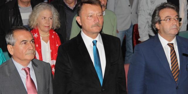 "Emekli Albay:""Yaşanan Türk-Amerikan savaşıdır"""