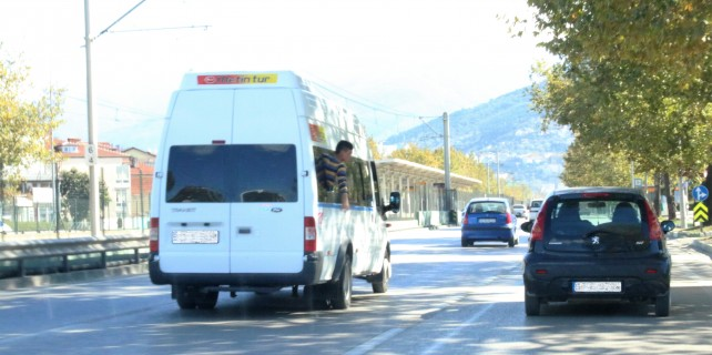 Bursa trafiğinde tehlikeli oyun...