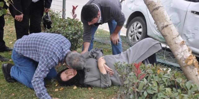 Bursa'da acı kaza...Yaralı eşinin yanından hiç ayrılmadı