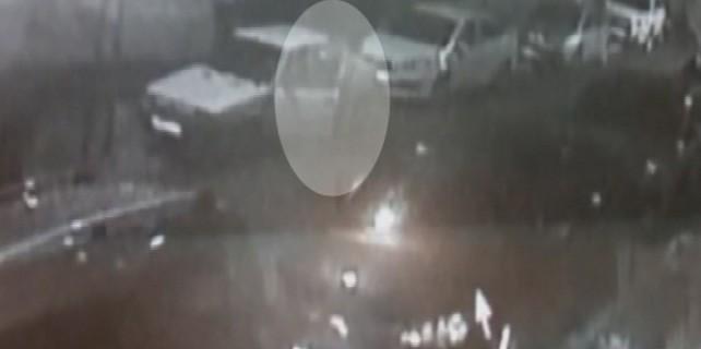 10 saniyede otomobil hırsızlığı kamerada
