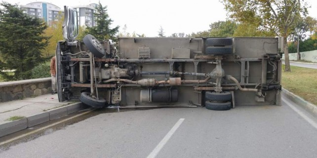 Bursa'da faciadan dönüldü...O yol kapandı