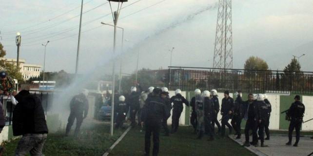 Bursa'da maçta olaylar çıktı...