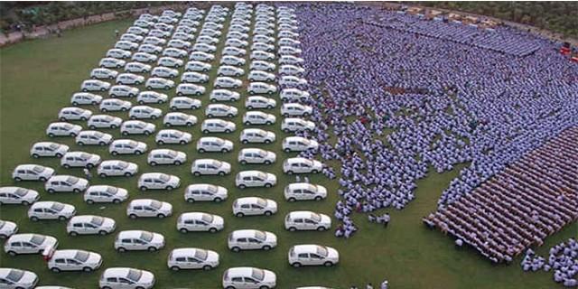 Çalışanlarına büyük jest! 400 daire ve 1260 araba...