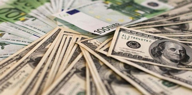 Dolar ve euro rekor tazeledi