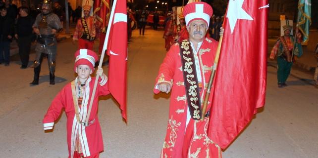 Doğuştan mehteran... Bursa'da sancaktarlık yapıyor
