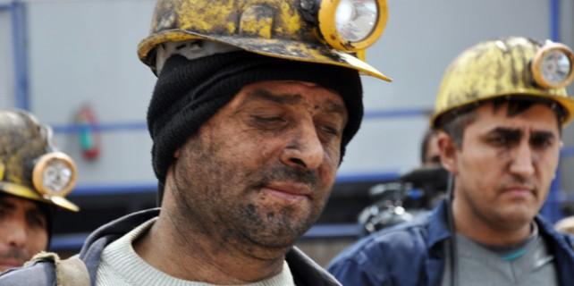 Madende göçük...İşçiler toprak altında