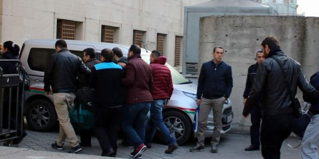 Bursa'daki FETÖ operasyonuna 10 tutuklama