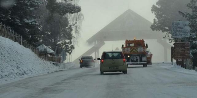 Bursa buz kesti, karla mücadele başladı