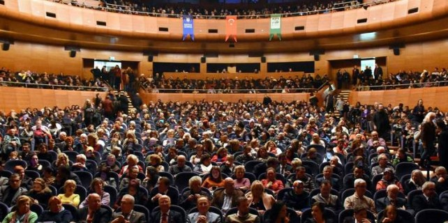 Bursa'da yüzlerce kişi onun için akın etti...