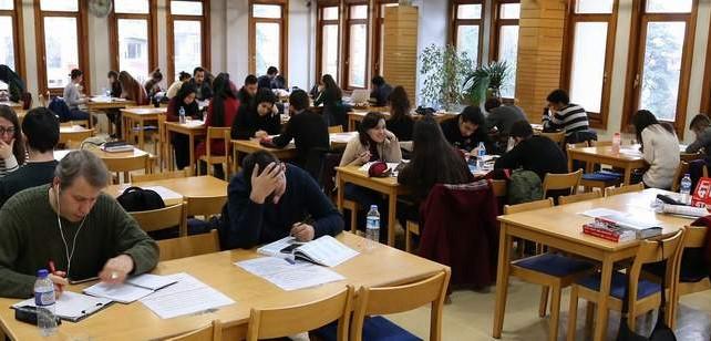 Bursalılar 24 saat okuyor