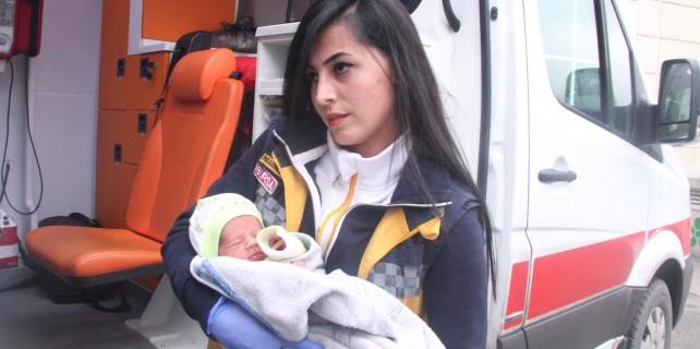 1 haftalık bebeği ölüme terk ettiler
