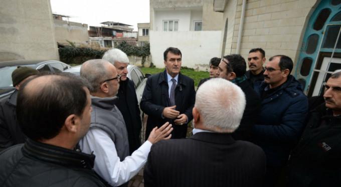 Mahalle mahalle geziyor, Bursalıları dinliyor...