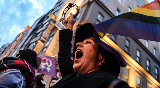 Feministler Taksim'de buluştu