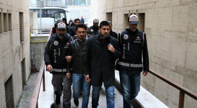 Bursa'da FETÖ operasyonu! Bakın kimi aldılar...