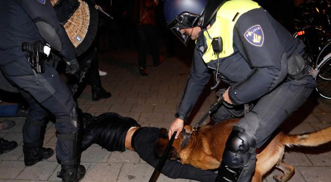 Hollanda polisinden Türkler'e çirkin müdahale!
