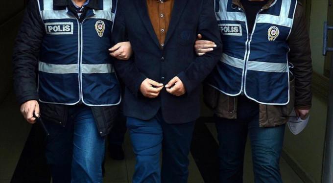 Bursa'da arkadaşının yüzünü kesti!