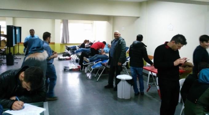 İşte Kızılay'a kan bağışı yapan Bursalı okul!