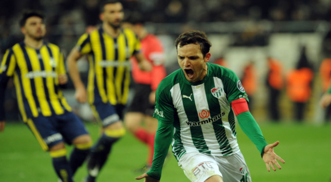 Bursaspor'u Batalla sırtlıyor! O alanda 2. sırada...