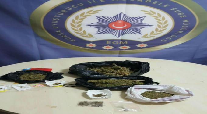 Bursa'da uyuşturucu operasyonu! 3 gözaltı...