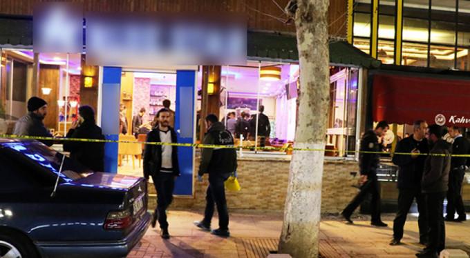 Kafede silahlar çekildi: 2 ölü 9 yaralı