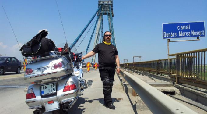Bursa'dan çıktı 15 ülkeyi motosikletle gezdi!