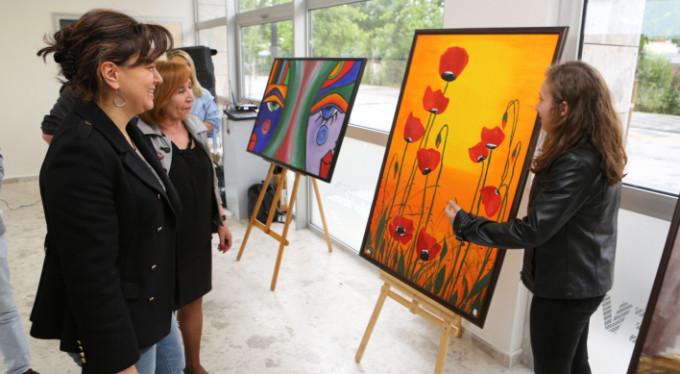 Bursa'da Hayatı sanatla reklendiriyorlar