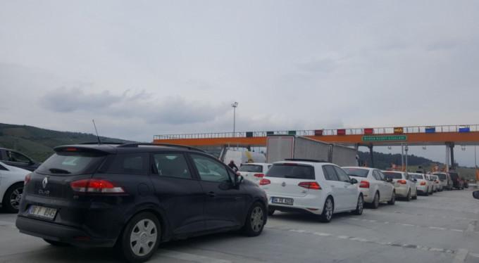 3 günlük tatil Bursa'nın trafiğini felç etti