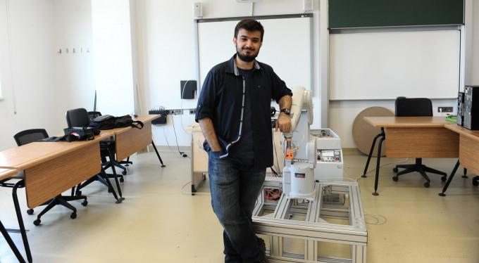 Üniversite öğrencisi robot kol yaptı
