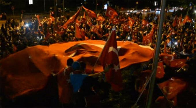 Almanların iptal kararı Türkleri durduramadı