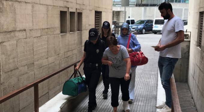 Bursa'da polisten kaçmak için balkondan atladı!