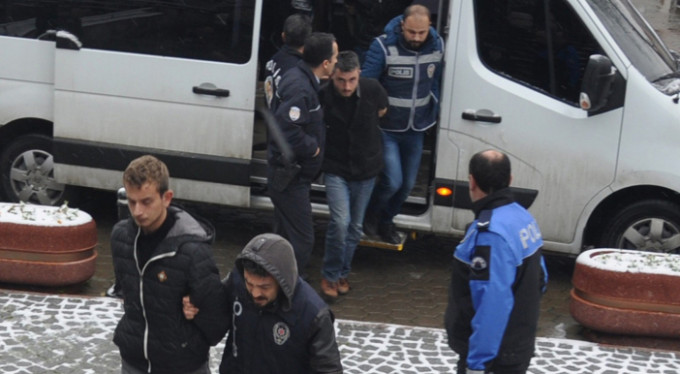 Bursa'da cinayet zanlılarına ceza yağdı