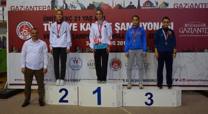 Bursa'ya 4 madalya