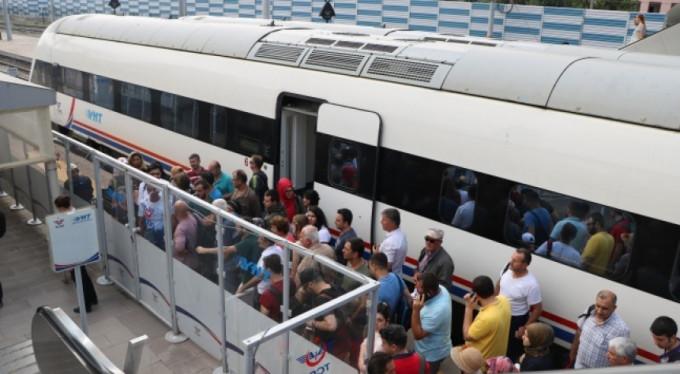 Yolcular otobüslere taşınmaya başladı