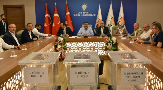 Ak Parti Bursa'da başkanlık maratonu başladı
