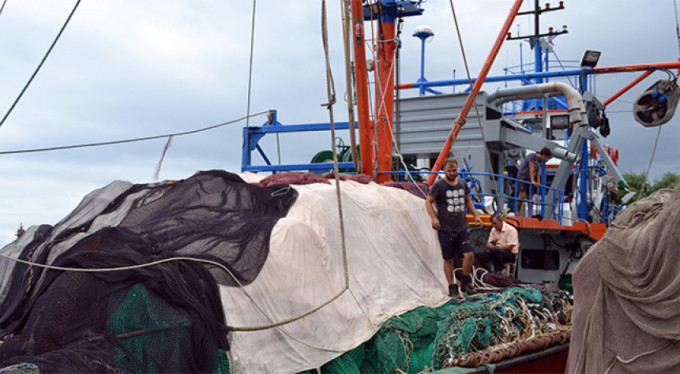 Balık avına bayram engeli!