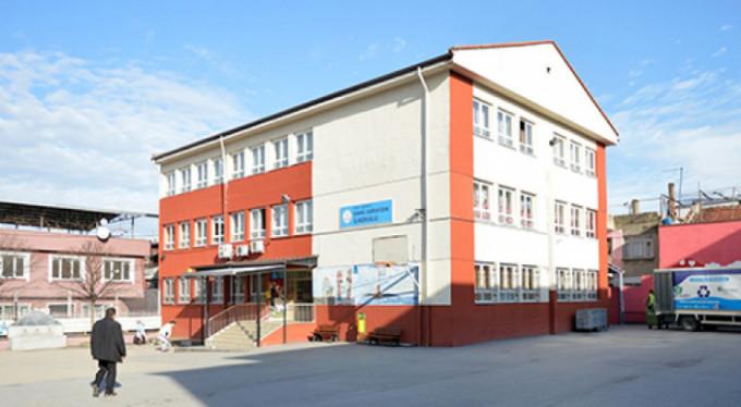 Bursa'da o okullar yıkılıyor!